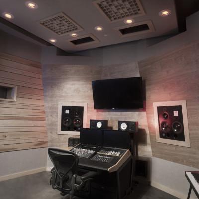 Chris V studio11862